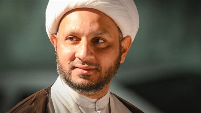 Imprisoned Bahraini Shia Muslim cleric Sheikh Hassan Issa (file photo)