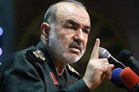 Iranian Armed Forces Chase Enemies Even in Distanced Areas
