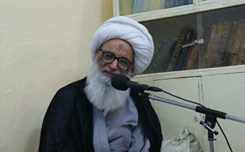 Ayatollah al-Najafi called for the improving of communications technology