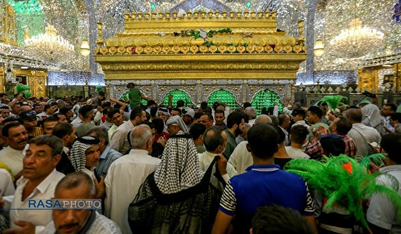 Najaf, Iraq: Eager pilgrims in Imam Ali (A.S) holy Shrine during Eid Al Adha (Photos)