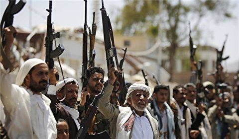 Houthi fighters gain ground in Sana'a, pro-Saudi militants claim tactical withdrawal