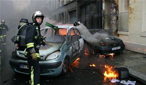 Numerous Cars Torched During New Year's Eve Mayhem in France