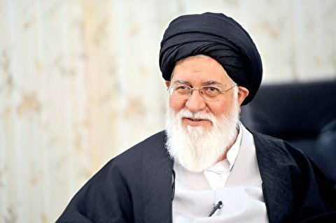 We must not allow the Islamic Revolution to be harmed